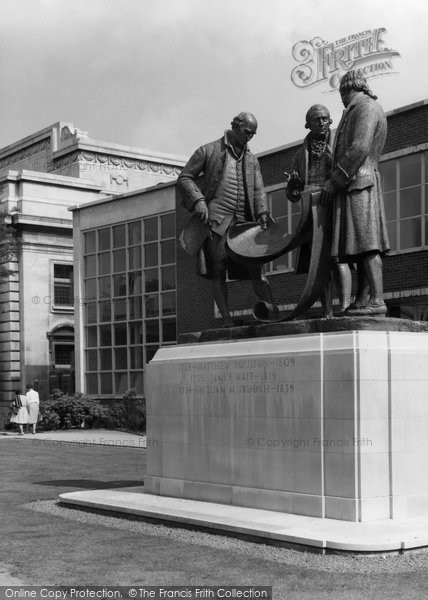 Photo of Birmingham, The Industrial Pioneers Memorial, Broad Street c.1960