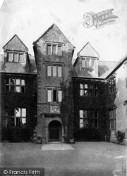 Manor House 1888, Bishop's Hull