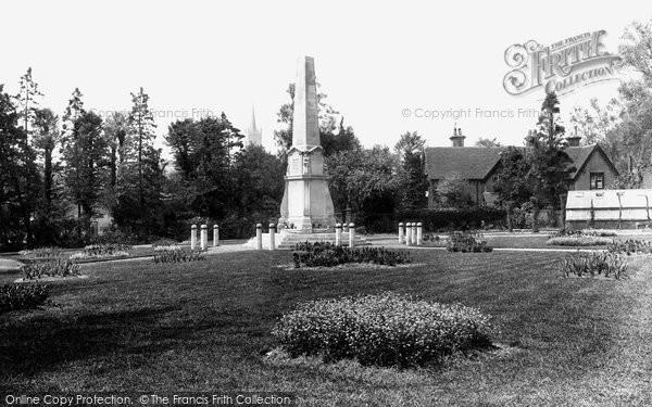 Bishop's Stortford, Castle Gardens And War Memorial 1922