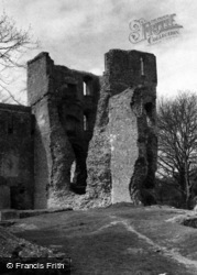 Bishop's Waltham, Palace, The Tower c.1960