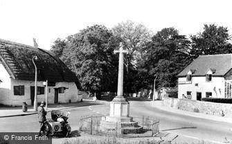 Bishops Cleeve, Kings Head, War Memorial and Post Office c1960