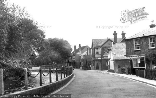 Bishopstoke, The Village c.1960