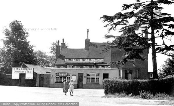 Bisley, the Hen and Chickens c1955