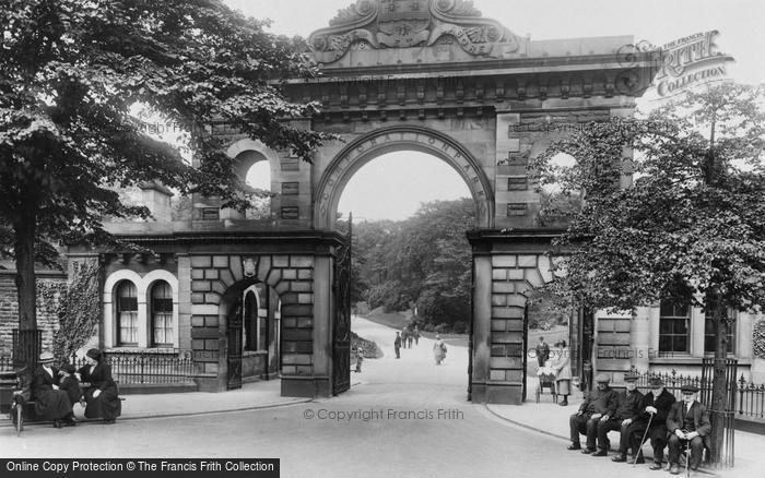 Blackburn, Corporation Park, The Entrance 1923