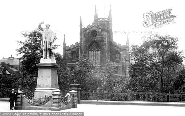 Blackburn, The Parish Church And Gladstone Statue 1923