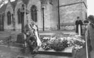 Bladon, Sir Winston Churchill's Grave, St Martin's Church 1965