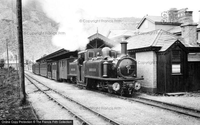 Photo of Blaenau Ffestiniog, Narrow Gauge Train c.1901