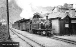 Blaenau Ffestiniog, Narrow Gauge Train c.1901