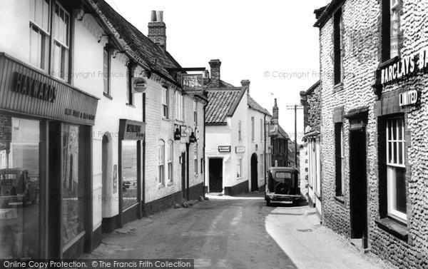 Blakeney, High Street c.1955