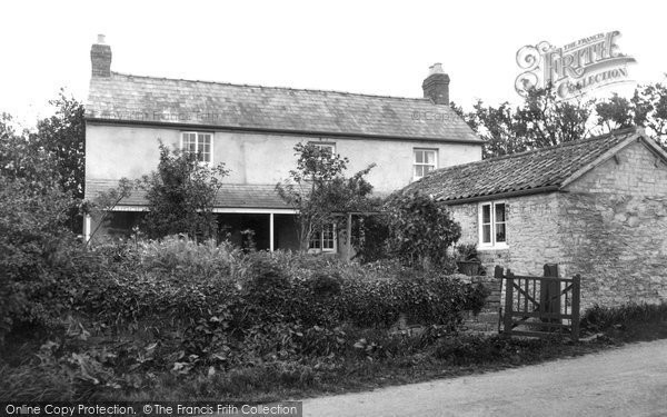 Photo of Blakeney, Lensbrook House c1940