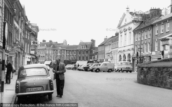 Blandford Forum, Market Square c.1955