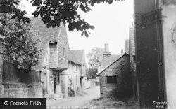 Bletchingley, A Bit Of Old Village c.1950