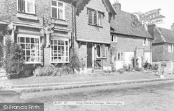 Bletchingley, King Charles Cottage c.1960
