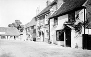 Bletchingley, Old Houses c.1965