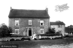 Bletchingley, Place Farm 1907
