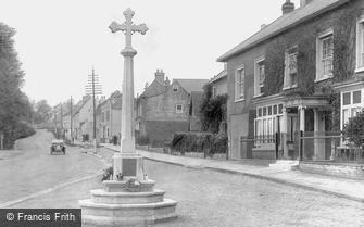 Bletchingley, War Memorial 1921