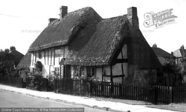 Photo of Bletchley, Old Thatched Cottage, Church Green Road c1960