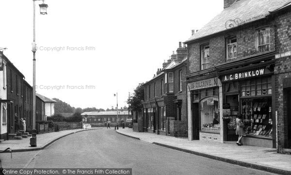 Photo of Bletchley, Victoria Road c.1955