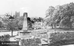 Blockley, War Memorial And Village c.1955