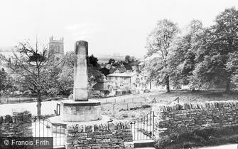 Blockley, War Memorial and Village c1955