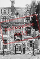 Chateau De Entrance c.1930, Blois