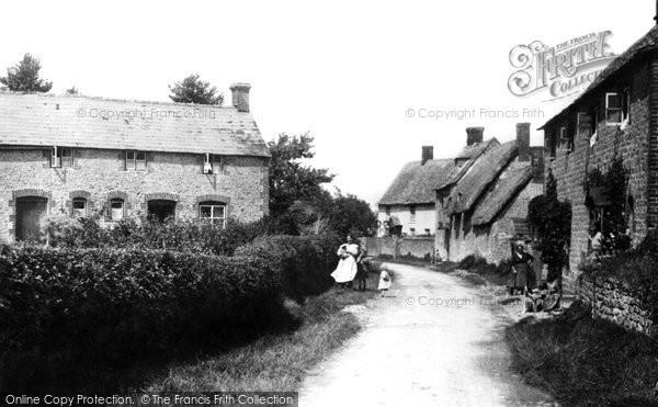 Blunsdon, Cottages 1906
