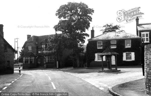 Bluntisham, Village Square c1965