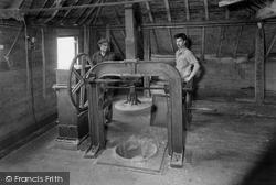 Bodiam, Hop Pressing c.1955