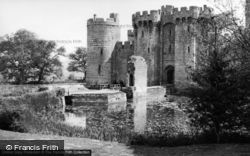 The Castle c.1955, Bodiam
