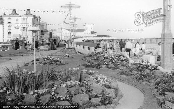 Bognor Regis, Esplanade Gardens c.1960
