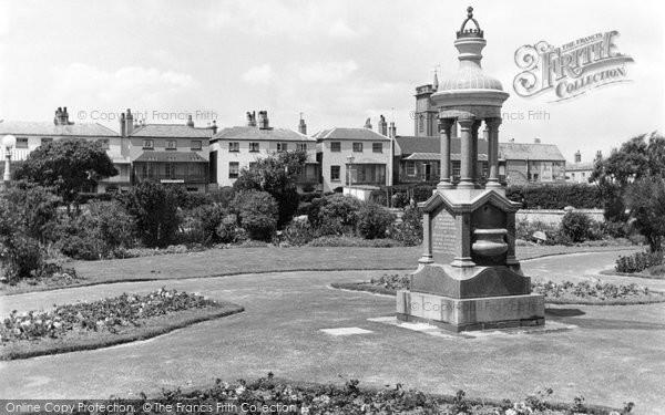 Bognor Regis, Waterloo Gardens c.1955