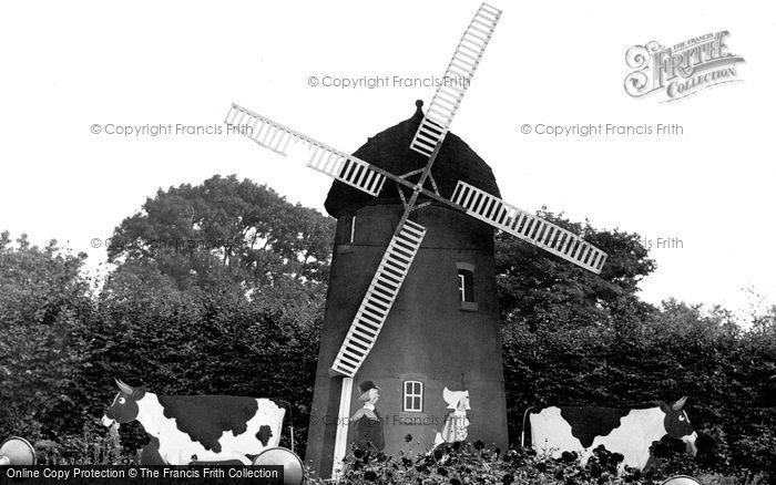 ,Bolsover, Sherwood Lodge Windmill c1955, Derbyshire,