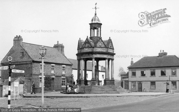 Photo of Boroughbridge, The Fountain, St James Square c.1955