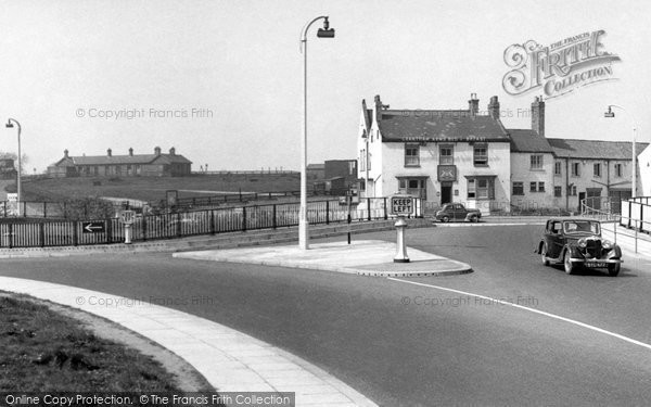 Photo of Boroughbridge, The Grantham Arms And Roundabout c.1955