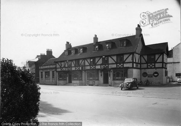 Boroughbridge, The Three Horseshoes Hotel c.1955