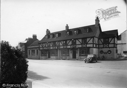 Boroughbridge, The Three Horseshoes Hotel c.1955