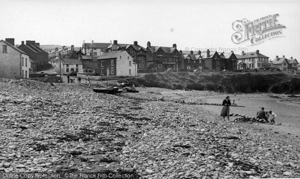 Borth, Beach And Cliffs c.1952