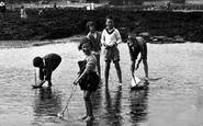 Borth, Children On The Sands 1930