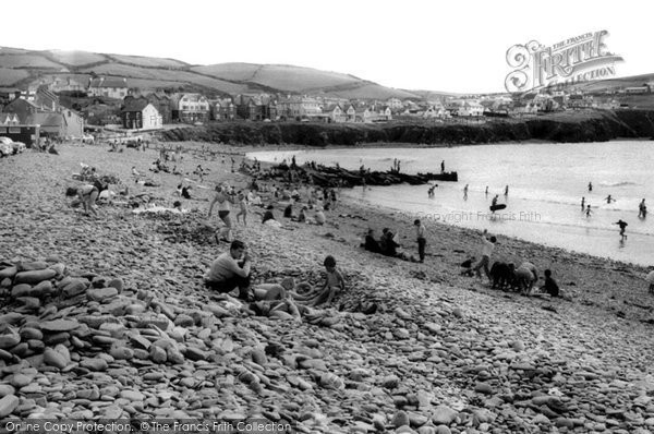 Borth, The Beach c.1965