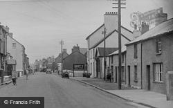 The Village 1948, Borth