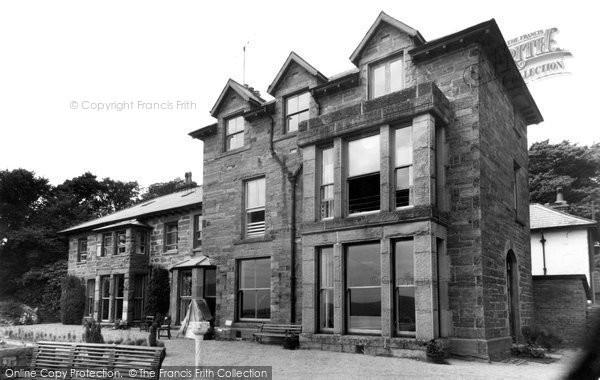 Borth-Y-Gest, Dame Sybil Thorndyke's House c1955