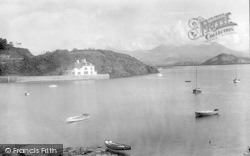 Borth-Y-Gest, The Harbour And Mountains c.1930