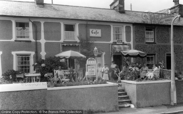 Borth-Y-Gest, the Igloo Cafe c1955