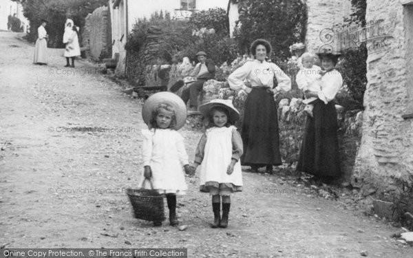 Boscastle, Girls 1906