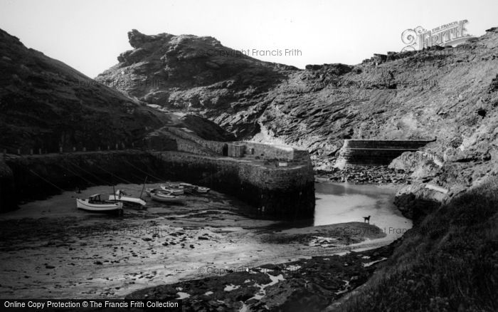 Boscastle, Low Tide, The Harbour  c.1960