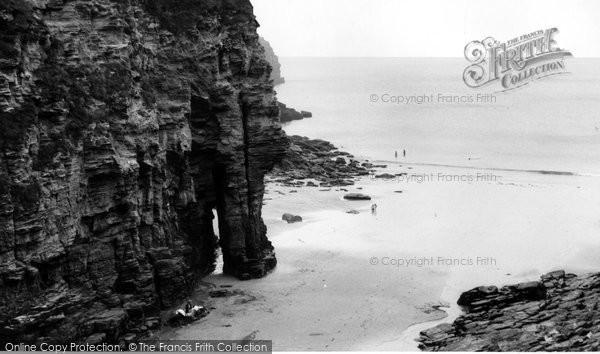 Bossiney, The Elephant Rock c.1955