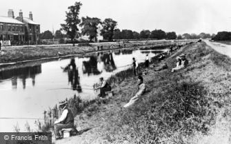 Boston, River Witham, a Fishing Contest c1910