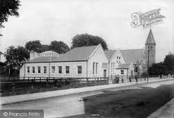 Boston Spa, Trustees Hall And Congregational Church 1909