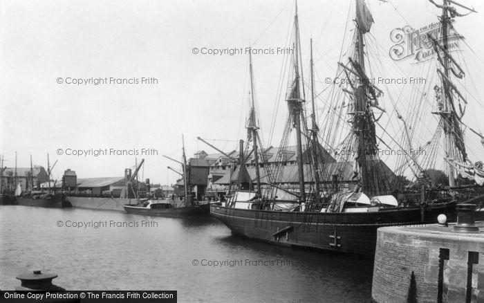 Boston, The Docks 1893
