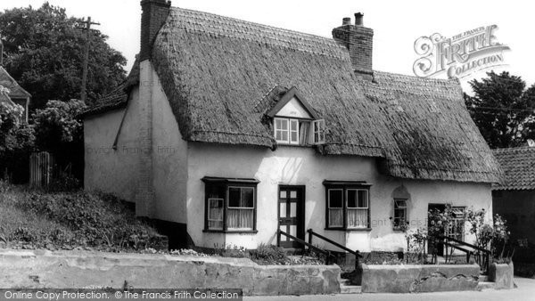 Botesdale, Thatched Cottage c.1960